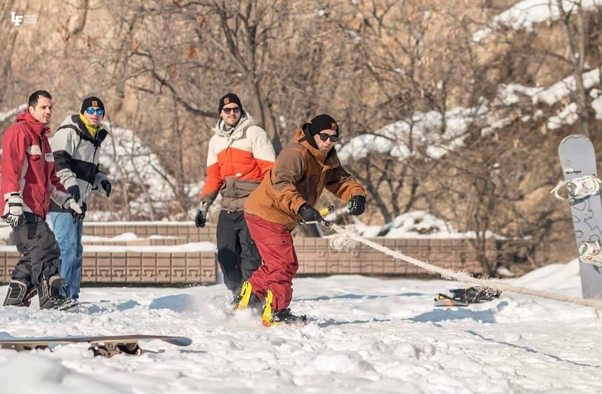 сноуборд, ластик, пловдив, младежки хълм, младежка столица на културата, трикове, сняг,