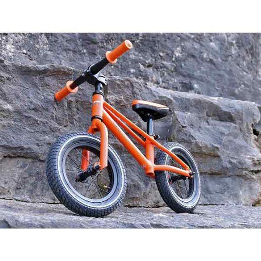 колела-за-баланс-баланс-байк-колело-без-педали-балансиращо колело-баланс-байк